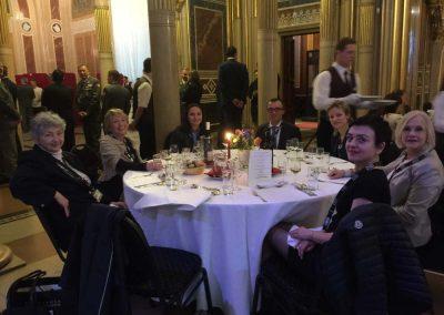 Für die Verteidigungsminister im Heeresgeschichtlichen Museum beim Dinner mit KollegInnen, 31.03. 2016