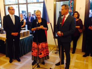 In der Tschechischen Botschaft, mit dem Botschafter Jan Sechter und Kreishauptmann vom Kreis Olmütz Jiří Rozbořil