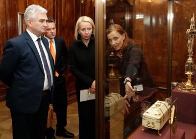 In der Schatzkammer, Vorsitzender des tschechischen Abgeordnetenhauses und Chargé d'affaires